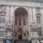 Вход в Имперский колледж Лондона