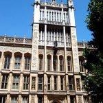 Здание Королевского колледжа