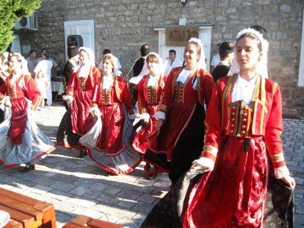 Национальные костюмы Черногории