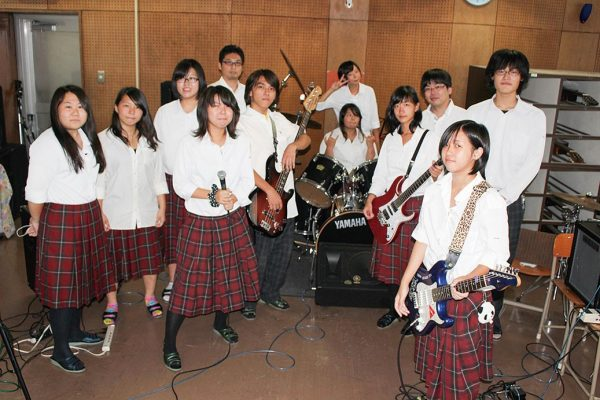 Школьная музыкальная группа в Японии