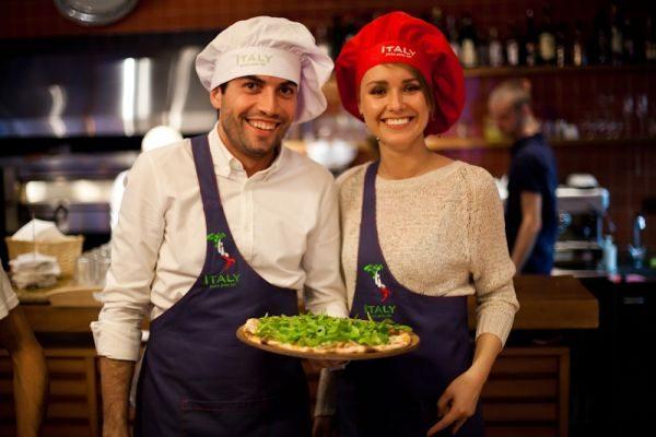 Продавцы пиццы в Италии