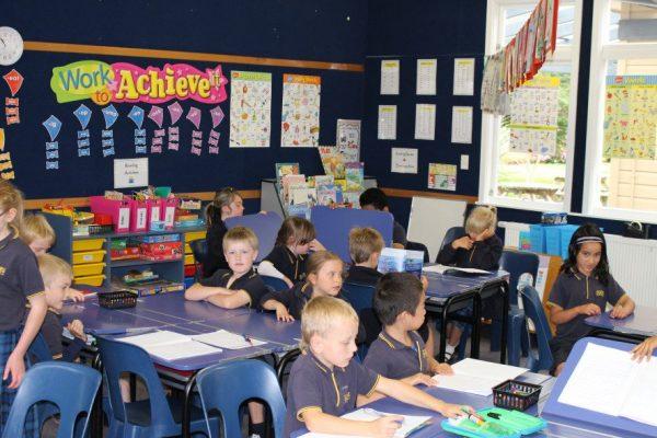 Дети на уроке в новозеландской школе