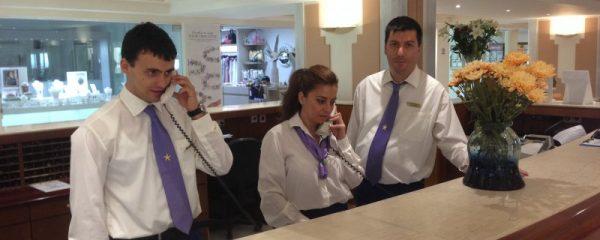 Стажёры в администрации греческого отеля
