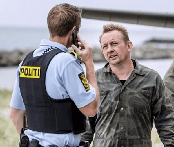 Датский полицейский и мужчина