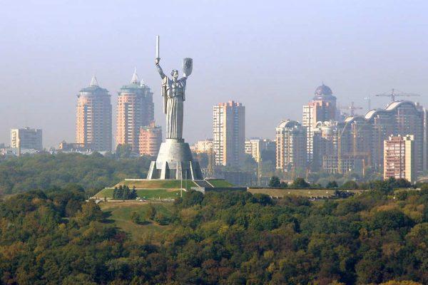 Монумент ВОВ в Киеве
