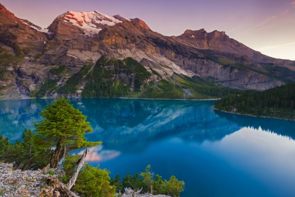 Озеро в Швейцарских Альпах