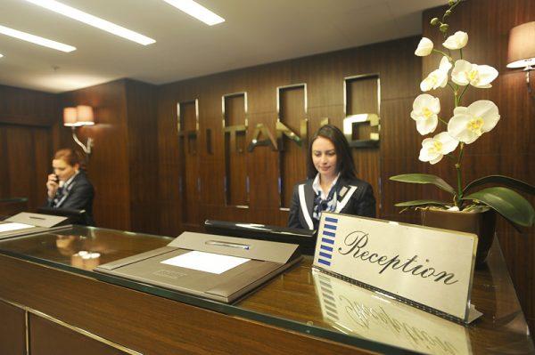 Сотрудники администрации отеля в Турции
