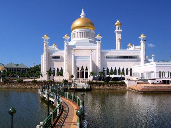 Мечеть Омара Али Сайфуддина в Брунее