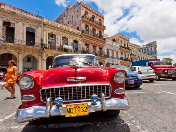 Ретро-автомобиль в Гаване