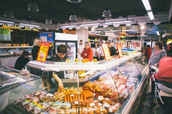 Прилавок с ценами в Питере
