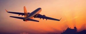 Взлетающий самолёт