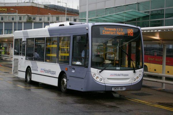 Автобус в Хитроу