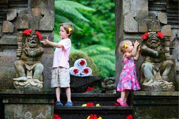 Дети в Индонезии