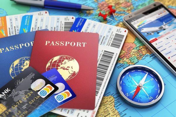 Документы и аксессуары путешественника