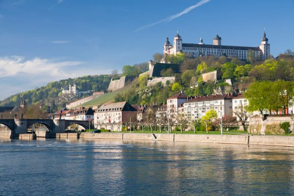 Вариант небольшого городского пейзажа в Германии