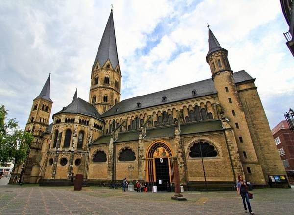 Монастырь-базилика в Бонне