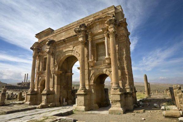 Памятник древней архитектуры в Алжире