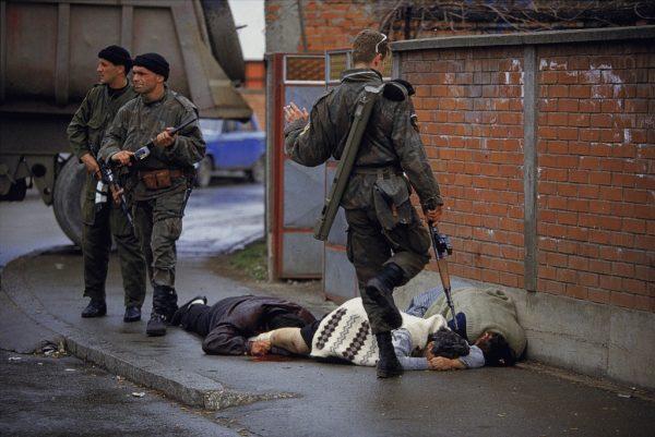 Солдаты на улицах Сараево