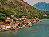 Вид на набережную города Доброта в Черногории