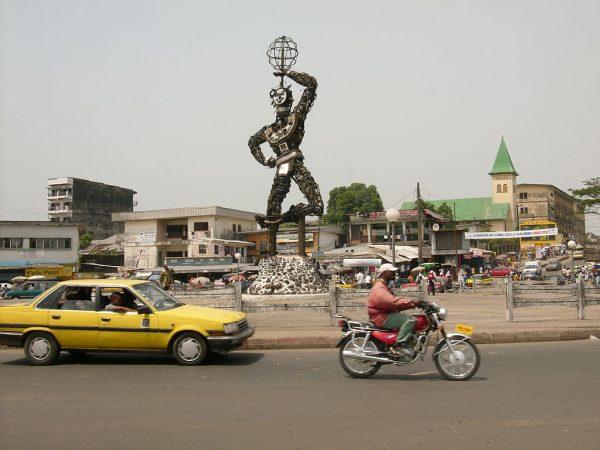 Город Дуала в Камеруне
