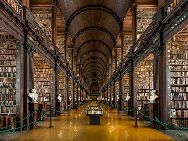 Библиотека Тринити-колледжа в Дублине