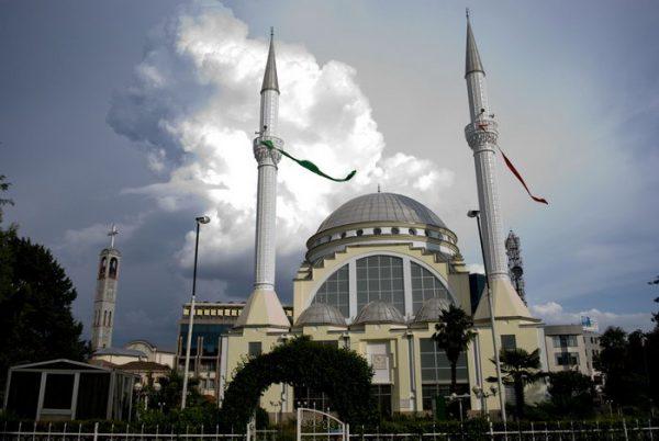Мечеть в Албании