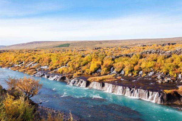Лавовые водопады Хрейнфоссар около городка Рейкхольт