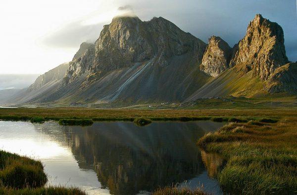 Вид на горы в Исландии