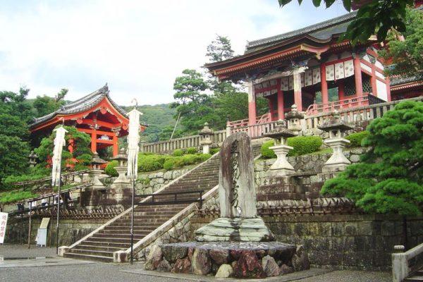 Киемидзу-дэра, или Храм чистой воды