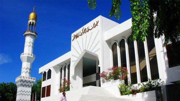 Мечеть в Мале