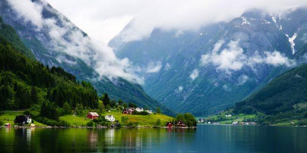 Горный пейзаж в Норвегии