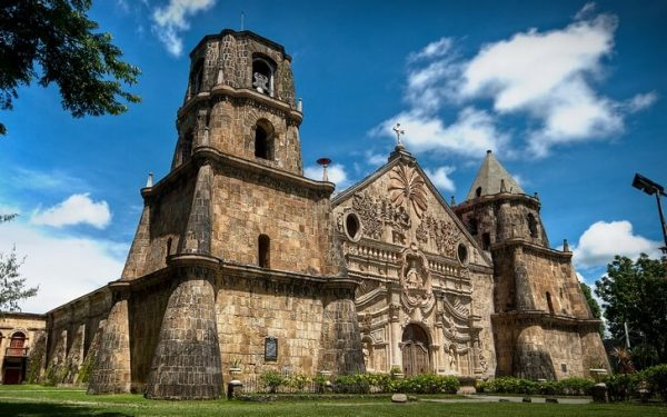 Одна из церквей в стиле барокко на Филиппинах