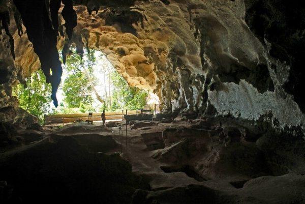 Одна из пещер Табон на острове Палаван