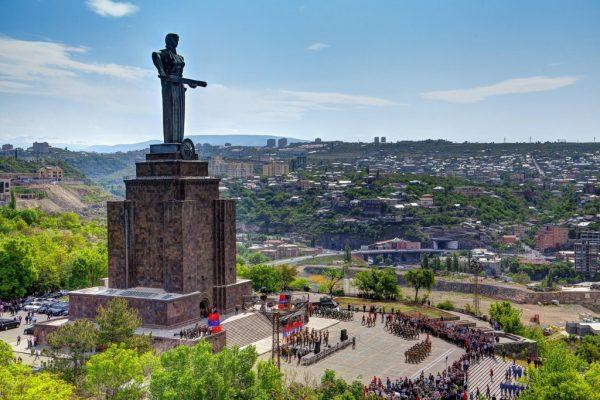 Парк Победы в Ереване