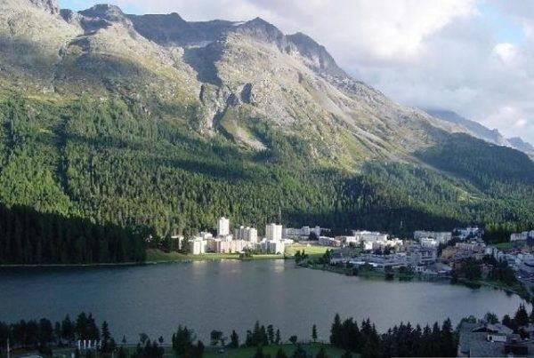 Санкт-Мориц в горах Швейцарии