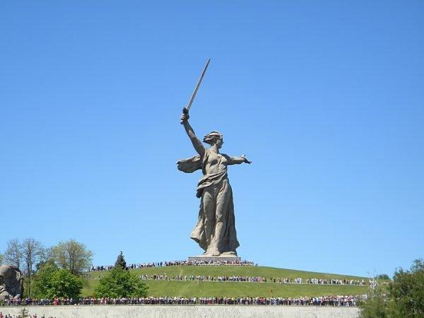 Скульптура «Родина-мать зовет!» на Мамаевом кургане
