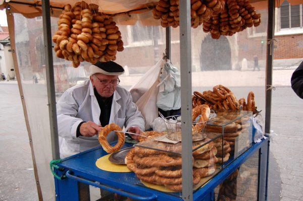Торговец на площади в Кракове