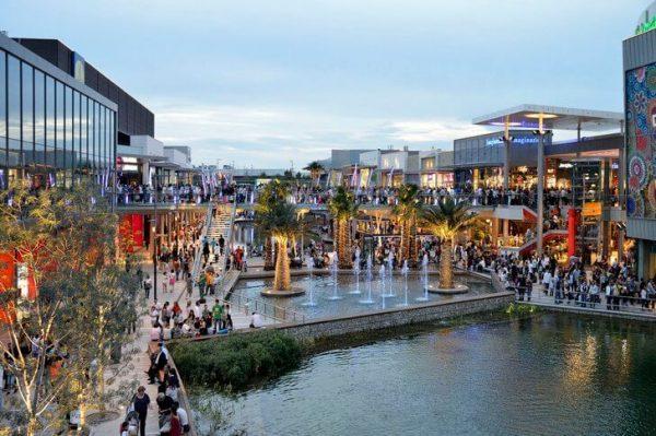 Торгово-развлекательный комплекс Пуэрто-Венеция в Сарагосе