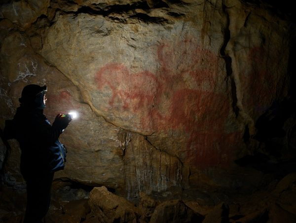 Внутри Каповой пещеры в Башкортостане
