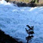 Водопад Боу (Боу Фоллс)