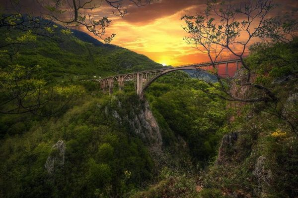 Мост Джурджевича через каньон реки Тары