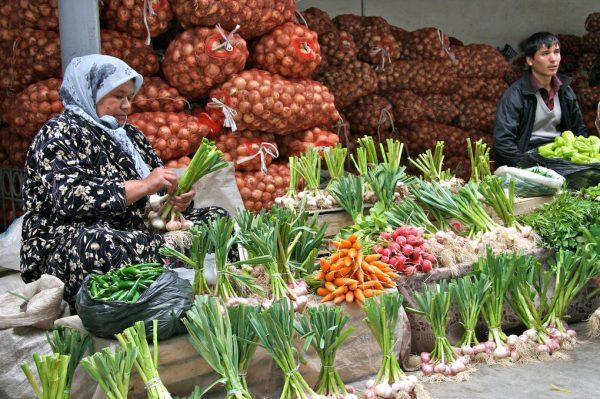 Базар Жайма в городе Ош