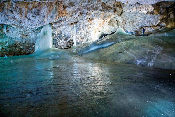 Добшинская ледяная пещера в Словакии