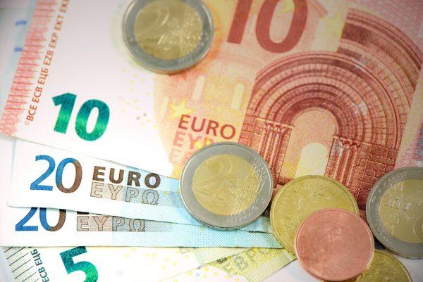 Банкноты и монеты евро