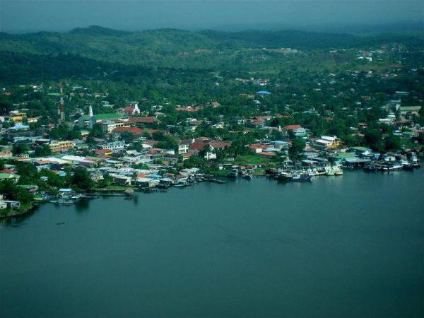 Блуфилдс — самый крупный город восточного побережья Никарагуа
