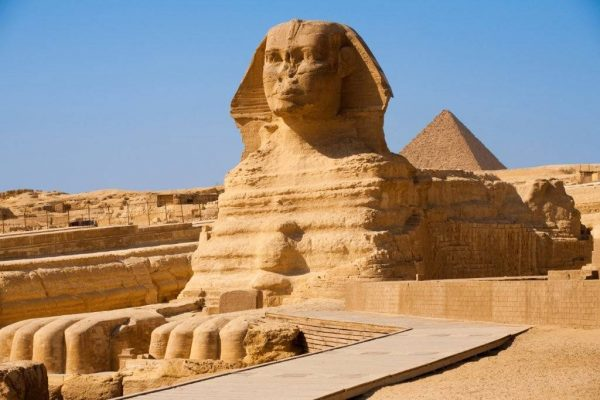 Большой Сфинкс — хранитель пирамид