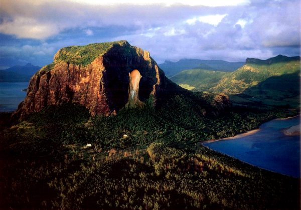 Гора Ле-Морн-Брабан