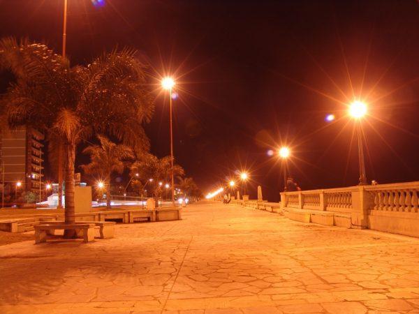 Городская набережная Санта-Фе ночью