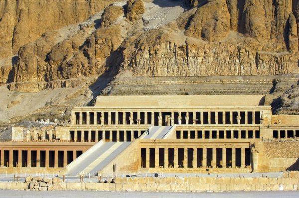 Храм царицы Хатшепсут в Долине царей