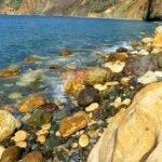 Камни на Яшмовом пляже у мыса Фиолент